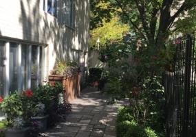 836 Park Terrace- CHICAGO- Illinois 60637, 4 Bedrooms Bedrooms, 9 Rooms Rooms,4 BathroomsBathrooms,Condo,For Sale,Park,10377494