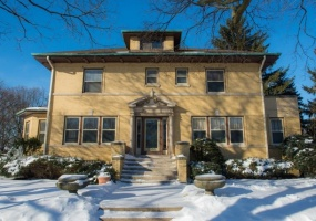 7000 Bell Avenue, CHICAGO, Illinois 60645, 4 Bedrooms Bedrooms, 8 Rooms Rooms,2 BathroomsBathrooms,Single Family Home,For Sale,Bell,10264535