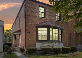 6249 Ridgeway Avenue, Chicago, Illinois 60659, 4 Bedrooms Bedrooms, 9 Rooms Rooms,4 BathroomsBathrooms,Single Family Home,For Sale,Ridgeway,10299283
