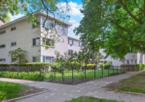 4201 Paulina Street, Chicago, Illinois 60613, 5 Bedrooms Bedrooms, 11 Rooms Rooms,Two To Four Units,For Sale,Paulina,10403907