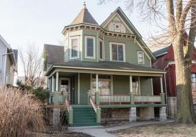 2549 Logan Boulevard, Chicago, Illinois 60647, 3 Bedrooms Bedrooms, 7 Rooms Rooms,2 BathroomsBathrooms,Single Family Home,For Sale,Logan,10340786
