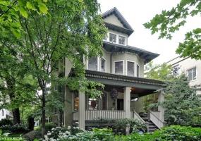 5520 Magnolia Avenue, Chicago, Illinois 60640, 7 Bedrooms Bedrooms, 15 Rooms Rooms,4 BathroomsBathrooms,Single Family Home,For Sale,Magnolia,10456785
