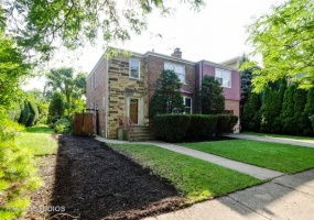 6841 Francisco Avenue, CHICAGO, Illinois 60645, 7 Bedrooms Bedrooms, 12 Rooms Rooms,3 BathroomsBathrooms,Single Family Home,For Sale,Francisco,10493983