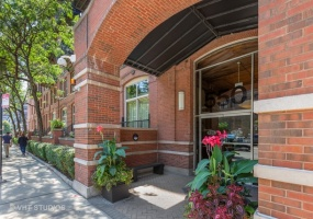 550 KINGSBURY Street, Chicago, Illinois 60610, 2 Bedrooms Bedrooms, 5 Rooms Rooms,2 BathroomsBathrooms,Condo,For Sale,KINGSBURY,10496758