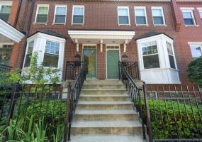 217 Goethe Street, Chicago, Illinois 60610, 3 Bedrooms Bedrooms, 8 Rooms Rooms,3 BathroomsBathrooms,Condo,For Sale,Goethe,10504300