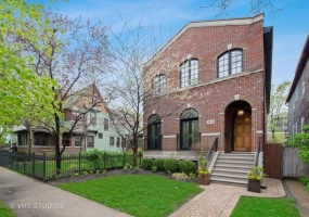 1834 Larchmont Avenue, Chicago, Illinois 60613, 6 Bedrooms Bedrooms, 11 Rooms Rooms,4 BathroomsBathrooms,Single Family Home,For Sale,Larchmont,10504536