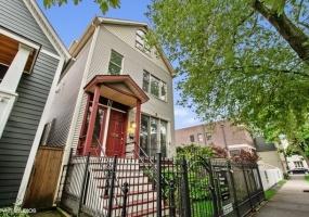 3311 Hamilton Avenue, Chicago, Illinois 60618, 4 Bedrooms Bedrooms, 9 Rooms Rooms,3 BathroomsBathrooms,Single Family Home,For Sale,Hamilton,10507986