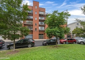 1926 LINCOLN PARK WEST, Chicago, Illinois 60614, 3 Bedrooms Bedrooms, 6 Rooms Rooms,2 BathroomsBathrooms,Condo,For Sale,LINCOLN PARK WEST,10514589
