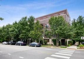 934 Hubbard Street, Chicago, Illinois 60642, 3 Bedrooms Bedrooms, 9 Rooms Rooms,2 BathroomsBathrooms,Condo,For Sale,Hubbard,10515655