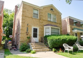 6720 Mozart Street, Chicago, Illinois 60645, 4 Bedrooms Bedrooms, 9 Rooms Rooms,2 BathroomsBathrooms,Single Family Home,For Sale,Mozart,10516821