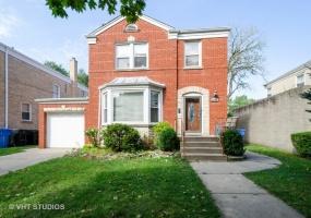 2938 Pratt Boulevard, Chicago, Illinois 60645, 4 Bedrooms Bedrooms, 8 Rooms Rooms,2 BathroomsBathrooms,Single Family Home,For Sale,Pratt,10521340
