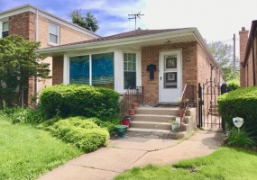 5923 Kimball Avenue, Chicago, Illinois 60659, 6 Bedrooms Bedrooms, 10 Rooms Rooms,3 BathroomsBathrooms,Single Family Home,For Sale,Kimball,10527621