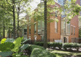 436 NORTH WATER Street, Chicago, Illinois 60611, 4 Bedrooms Bedrooms, 8 Rooms Rooms,3 BathroomsBathrooms,Condo,For Sale,NORTH WATER,10496890