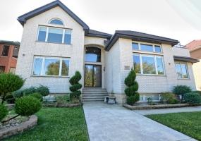 821 Oakwood Boulevard, Chicago, Illinois 60653, 6 Bedrooms Bedrooms, 14 Rooms Rooms,6 BathroomsBathrooms,Single Family Home,For Sale,Oakwood,10533562