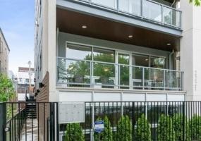 2221 Leavitt Street, Chicago, Illinois 60647, 5 Bedrooms Bedrooms, 10 Rooms Rooms,3 BathroomsBathrooms,Condo,For Sale,Leavitt,10543497