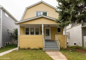 5638 Kedvale Avenue, Chicago, Illinois 60646, 3 Bedrooms Bedrooms, 9 Rooms Rooms,Two To Four Units,For Sale,Kedvale,10545645