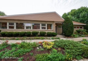 2600 Jerome Street, Chicago, Illinois 60645, 3 Bedrooms Bedrooms, 8 Rooms Rooms,2 BathroomsBathrooms,Single Family Home,For Sale,Jerome,10556678