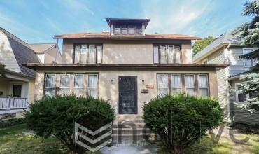 1826 Pratt Boulevard, Chicago, Illinois 60626, 5 Bedrooms Bedrooms, 9 Rooms Rooms,2 BathroomsBathrooms,Single Family Home,For Sale,Pratt,10559426