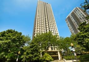 1960 Lincoln Park West Avenue, Chicago, Illinois 60614, 1 Bedroom Bedrooms, 4 Rooms Rooms,1 BathroomBathrooms,Condo,For Sale,Lincoln Park West,10560505