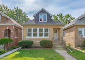 4505 Foster Avenue, Chicago, Illinois 60630, 4 Bedrooms Bedrooms, 9 Rooms Rooms,3 BathroomsBathrooms,Single Family Home,For Sale,Foster,10561991