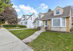 6417 Leoti Avenue, Chicago, Illinois 60646, 3 Bedrooms Bedrooms, 6 Rooms Rooms,1 BathroomBathrooms,Single Family Home,For Sale,Leoti,10569034