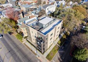 2352 Winona Street, Chicago, Illinois 60625, 3 Bedrooms Bedrooms, 8 Rooms Rooms,2 BathroomsBathrooms,Condo,For Sale,Winona,10575598