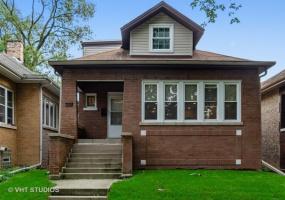 5033 Bernard Street, Chicago, Illinois 60625, 5 Bedrooms Bedrooms, 10 Rooms Rooms,3 BathroomsBathrooms,Single Family Home,For Sale,Bernard,10567456