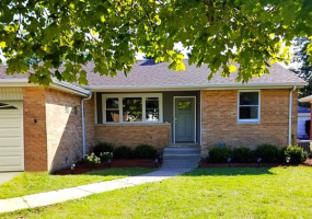 5253 Devon Avenue, Chicago, Illinois 60646, 4 Bedrooms Bedrooms, 9 Rooms Rooms,2 BathroomsBathrooms,Single Family Home,For Sale,Devon,10575757