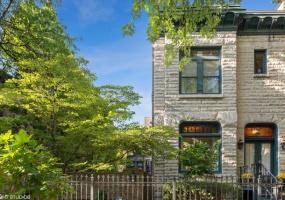 854 WEBSTER Avenue, Chicago, Illinois 60614, 4 Bedrooms Bedrooms, 10 Rooms Rooms,3 BathroomsBathrooms,Single Family Home,For Sale,WEBSTER,10576713