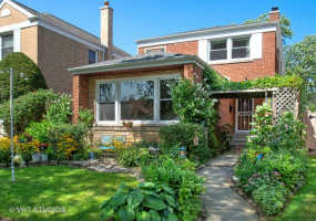 2730 Chase Avenue, Chicago, Illinois 60645, 3 Bedrooms Bedrooms, 12 Rooms Rooms,2 BathroomsBathrooms,Single Family Home,For Sale,Chase,10569186