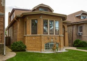 5008 KENNISON Avenue, Chicago, Illinois 60630, 4 Bedrooms Bedrooms, 10 Rooms Rooms,2 BathroomsBathrooms,Single Family Home,For Sale,KENNISON,10582139