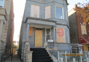 3945 Monroe Street, Chicago, Illinois 60624, 7 Bedrooms Bedrooms, 13 Rooms Rooms,Two To Four Units,For Sale,Monroe,10582877