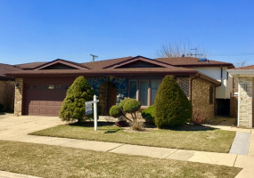 6966 Dowagiac Avenue, Chicago, Illinois 60646, 4 Bedrooms Bedrooms, 8 Rooms Rooms,2 BathroomsBathrooms,Single Family Home,For Sale,Dowagiac,10493292
