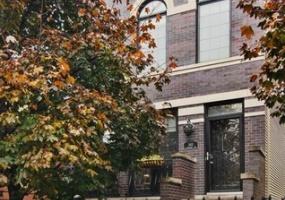 3411 Ridgeway Avenue, Chicago, Illinois 60618, 4 Bedrooms Bedrooms, 9 Rooms Rooms,3 BathroomsBathrooms,Single Family Home,For Sale,Ridgeway,10576949