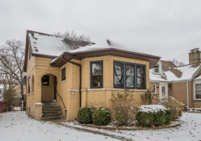 5824 Kilbourn Avenue, Chicago, Illinois 60646, 4 Bedrooms Bedrooms, 10 Rooms Rooms,3 BathroomsBathrooms,Single Family Home,For Sale,Kilbourn,10575232