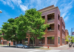 3207 Clifton Avenue, Chicago, Illinois 60657, 2 Bedrooms Bedrooms, 5 Rooms Rooms,2 BathroomsBathrooms,Condo,For Sale,Clifton,10585361