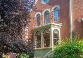 1274 Lexington Street, Chicago, Illinois 60607, 6 Bedrooms Bedrooms, 12 Rooms Rooms,3 BathroomsBathrooms,Single Family Home,For Sale,Lexington,10585942
