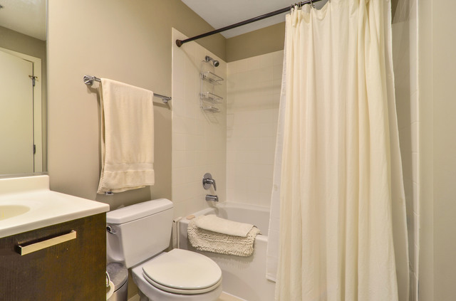 240 ILLINOIS Street, Chicago, Illinois 60611, 2 Bedrooms Bedrooms, 6 Rooms Rooms,2 BathroomsBathrooms,Condo,For Sale,ILLINOIS,10586872