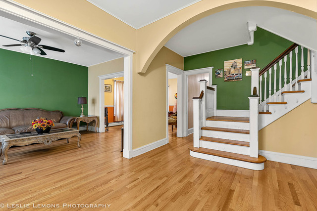 1765 Devon Avenue, Chicago, Illinois 60660, 3 Bedrooms Bedrooms, 6 Rooms Rooms,2 BathroomsBathrooms,Single Family Home,For Sale,Devon,10587491